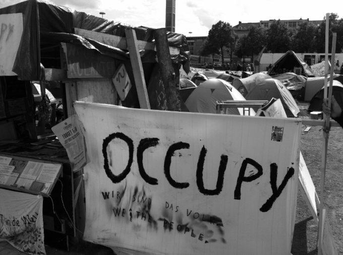 d13 // Occupy
