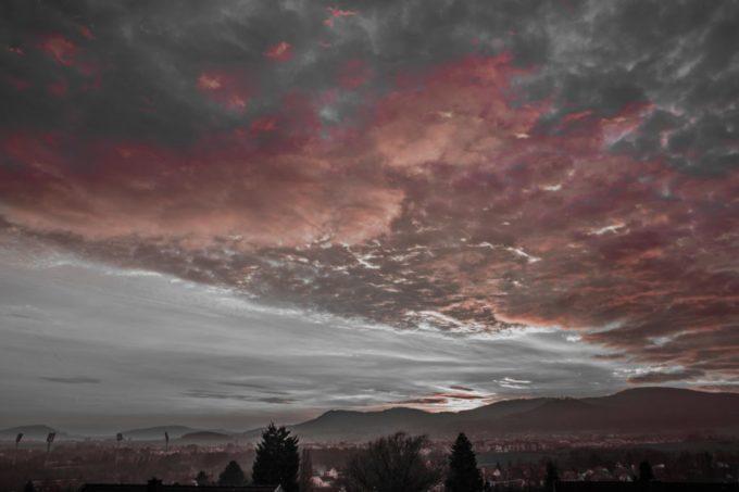 Baunatal // Wolkenspiel am Abend